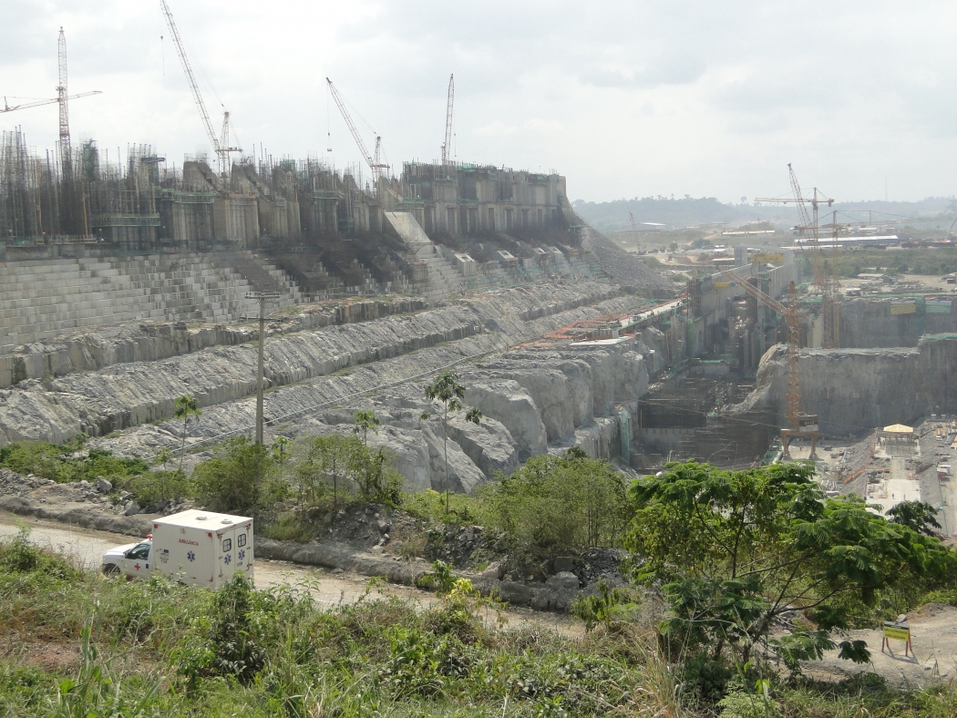 belo monte dam A series of mega dams is being built as a central part of brazil's accelerated  growth programme, which aims to stimulate the country's economic growth by.