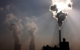 As Earth Swelters, Global Warming Target in Danger